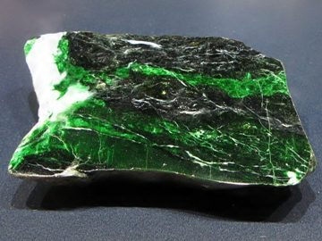 Камень Жадеит: свойства, фото, кому подходит по знаку зодиака