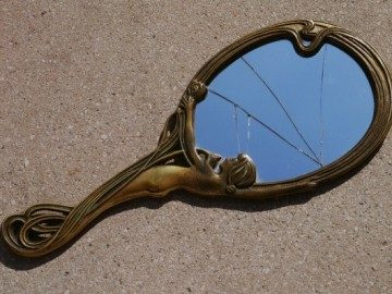 к чему разбивается зеркало