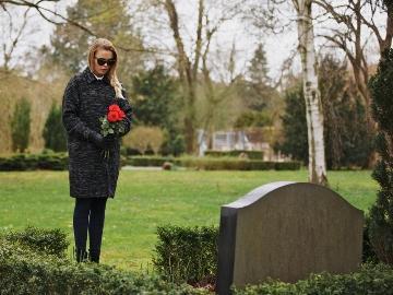 Можно ли беременным убирать на кладбище