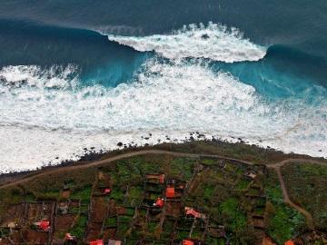 к чему снится цунами или большая волна