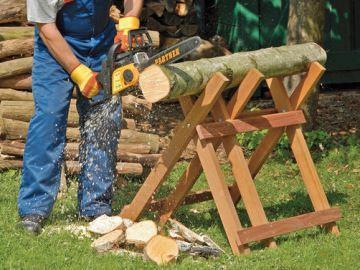 пилить дрова