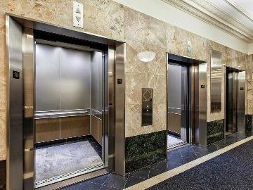 К чему снится лифт подниматься застрять падать выбираться сонник