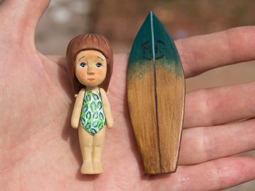 деревянная куколка