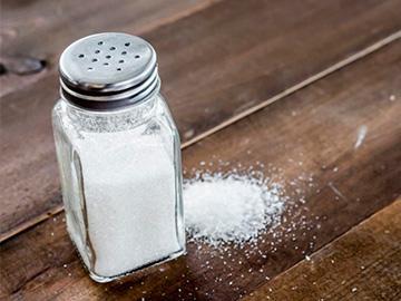 соль в солонке