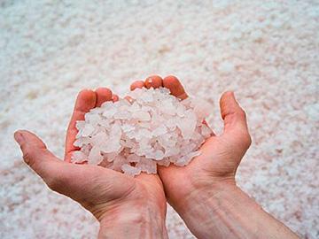 много соли